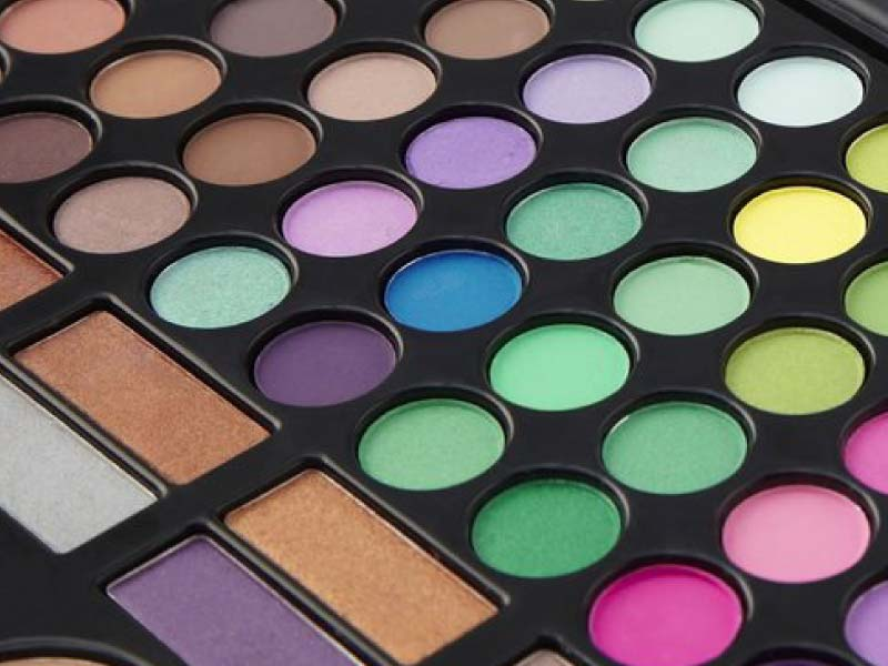 The best eyeshadow colours for your eye colour