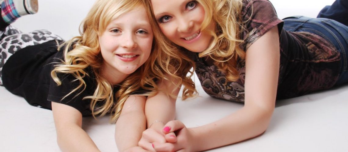 mother-two-daughters-3-full-makeovers-for-the-price-of-2-p20-410_zoom